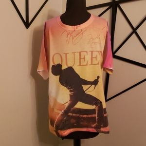 Jerzees Queen shirt
